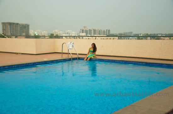 Swimming Pool Picture Of Urban Stay Bengaluru Tripadvisor