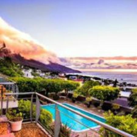 Atholl House: Dramatic View over Ocean/12 Apostles Mountains
