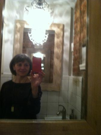 Aroma Kitchen & Winebar: me in the delightful bathroom