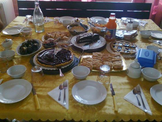 Bed & Breakfast Villa Fiorita: Colazione