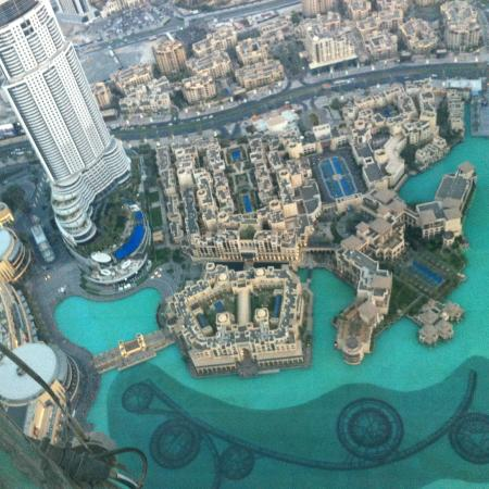 The giant picture of burj khalifa dubai tripadvisor for Burj khalifa swimming pool 76th floor