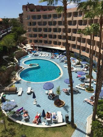 Zona piscina picture of mur aparthotel buenos aires for Piscina playa del ingles