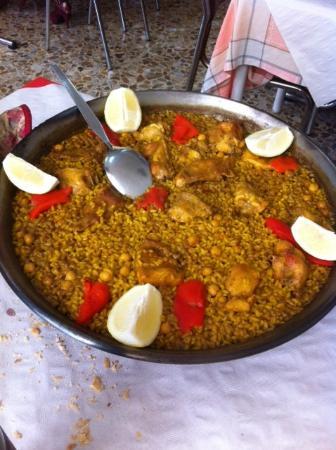 Bar Maria: Paella garbanzos y pollo