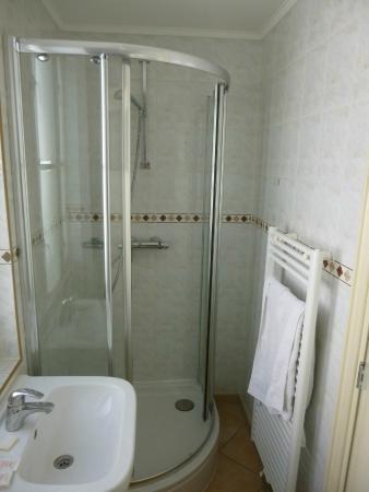 Old City Amsterdam Bed & Breakfast: salle d'eau assez petite avec le WC dedans