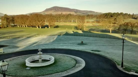 Cornhill Castle Hotel: early morning frost