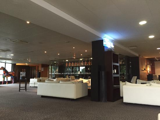 Quality Suites Bordeaux Aeroport : Vue du bar