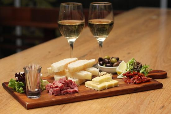 Greystone Bar & Cellar: Mezze Platter