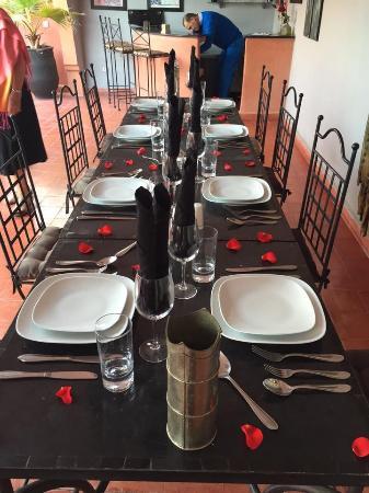 Riad Elizabeth: Table