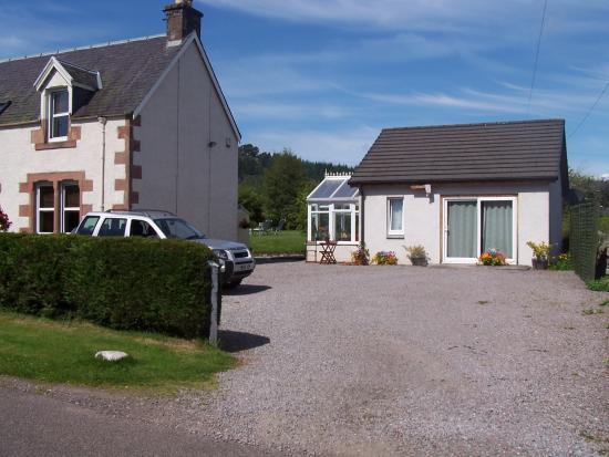 Rooms at Elmbank: Annexe and Car Park