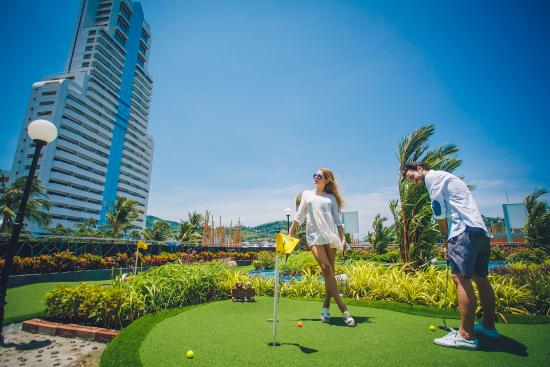 ‪Mini Golf Patong‬