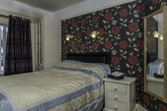 Lyme Bay House: Double Bed Room