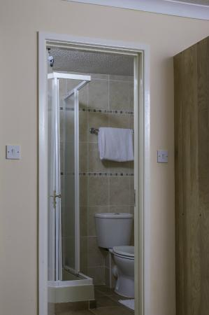 Lyme Bay House: En-Suite