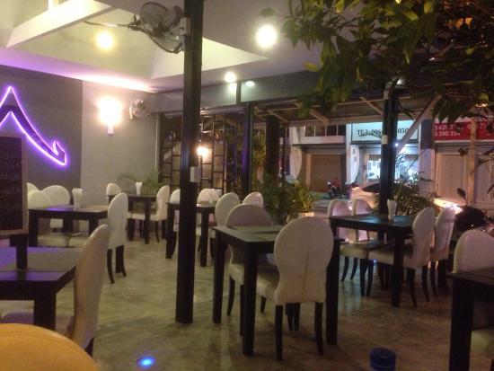 Baan pla Rawai Bouillabaisse : Dining area