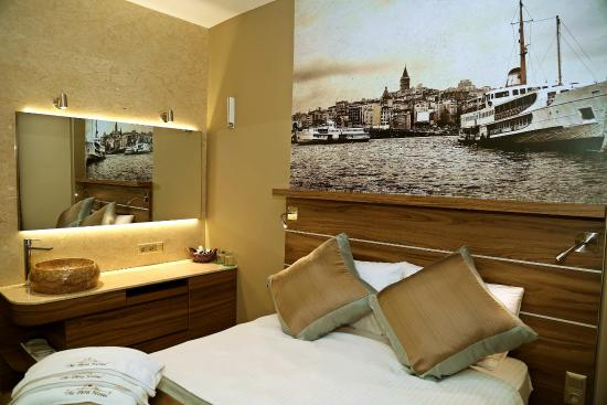 The Pera Hotel: DOUBLE ROOM