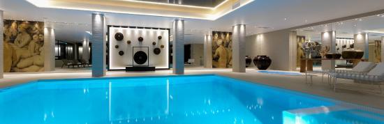 Chassieu, Francia: Piscine de relaxation chauffée, jacuzzi, sauna et hammam