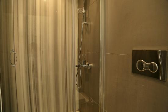 The Pera Hotel: DOUBLE ROOM