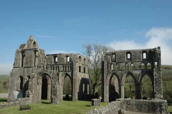 ‪Dundrennan Abbey‬