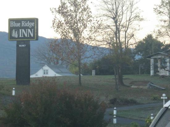 Blue Ridge Inn: Inn entrance
