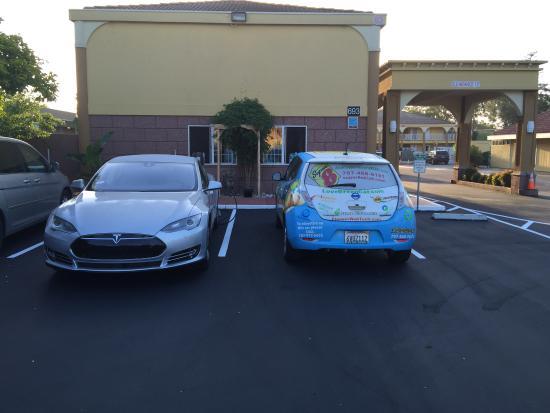 Super 8 Ukiah: 2 Tesla 80 amp charging stations