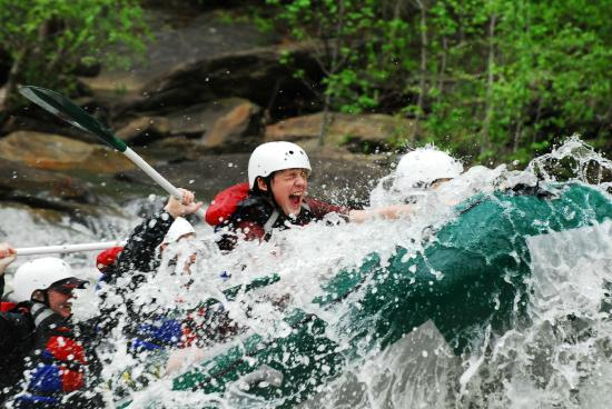 Ocoee, TN: Getting necks wet for 40 years!!