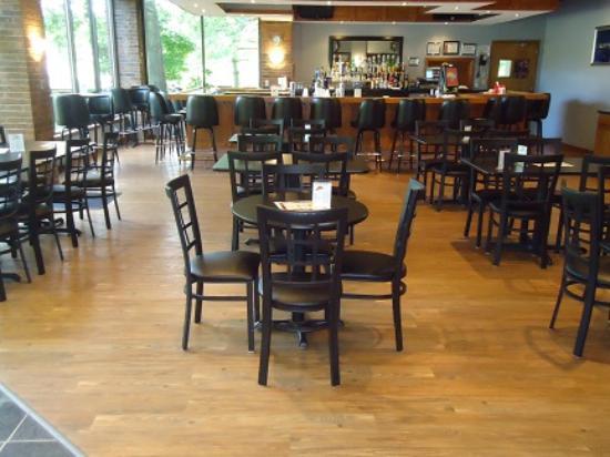 Raymond, Ιλινόις: Yacht Club Lounge