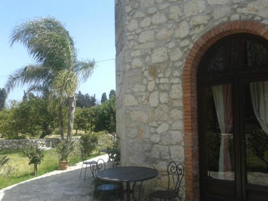 Villa dei Papiri : le stanze