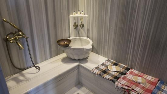 Best Point Hotel: private Turkish bathroom