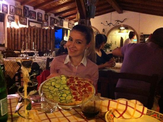 Roccagorga, อิตาลี: Pizza tricolore 🇮🇹