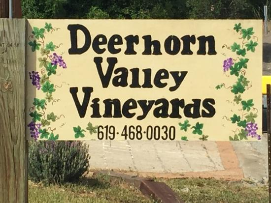 Deerhorn Valley Vineyards