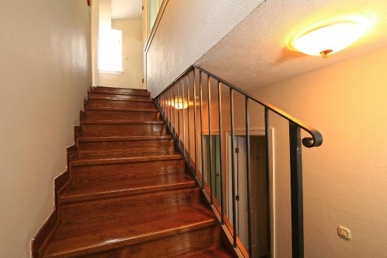 Villa Varos: Staircase