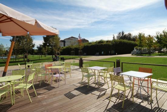 La terrazza foto di patio dei giardini venaria reale for Foto giardini a terrazza