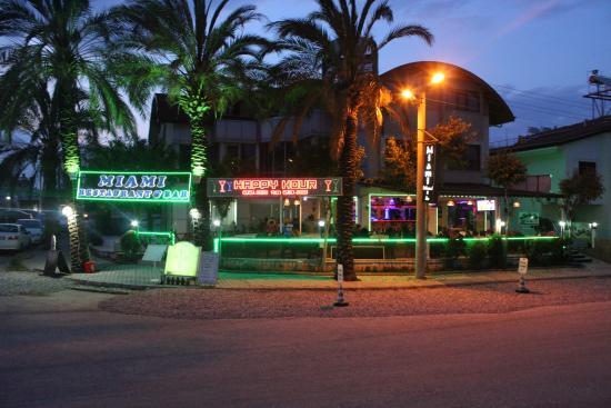 Miami Restaurant & Bar: :)