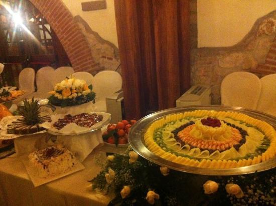 Buffet Di Dolci E Frutta : Sabbia d oro hotel il gran buffet di dolci e frutta