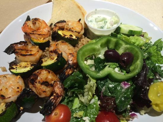 Zoes Kitchen Shrimp Kabob shrimp kebabs, brown rice and greek salad - picture of zoes