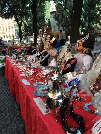 Mercato Antiquario Citta di Bologna