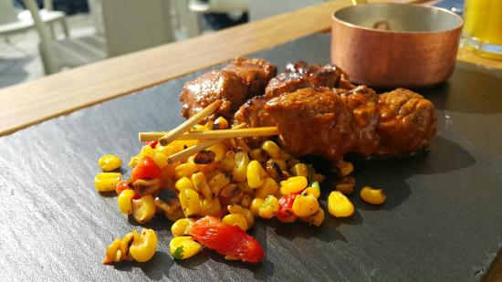 Toro Latin Gastrobar: Anticucho ražnjići