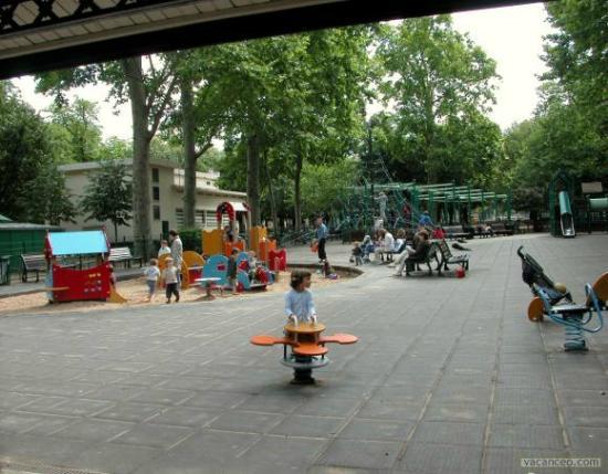 aire de jeux payante photo de jardin du luxembourg. Black Bedroom Furniture Sets. Home Design Ideas