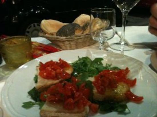 Osteria del Gambero Rosso: Bruccetta starter