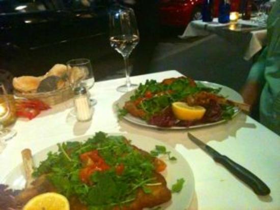 Osteria del Gambero Rosso: Veal Milanese