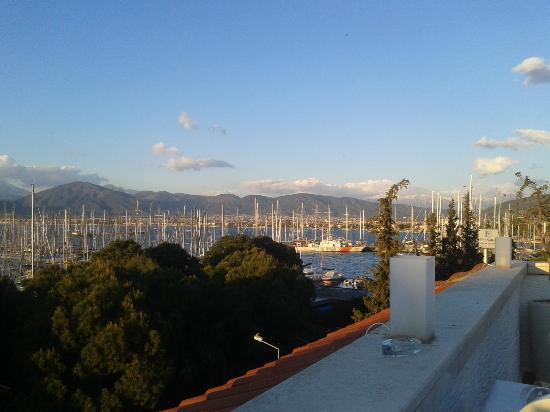 Yacht Roof Restaurant : manzarasiylan yemeklerine bayıldım :)