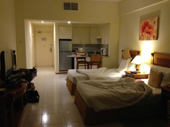 Savoy Park Hotel Apartments Ruime Kamer Met Kook Gelegenheid