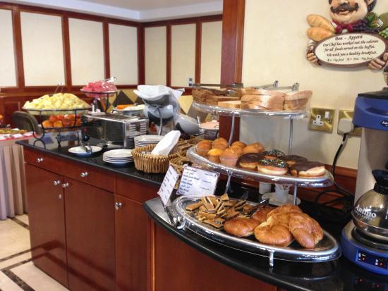 Perfect Ontbijt Picture Of Savoy Park Hotel Apartments Dubai