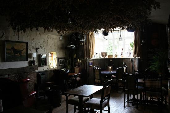 The Swan Inn Restaurant : Cosy