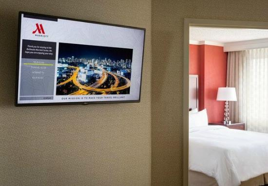 Bethesda Marriott Suites: Guest Room Technology