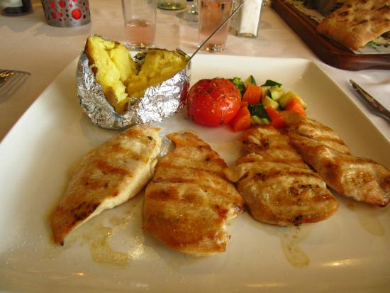El Maestro: Grilled chicken cooked to perfection - and gluten free