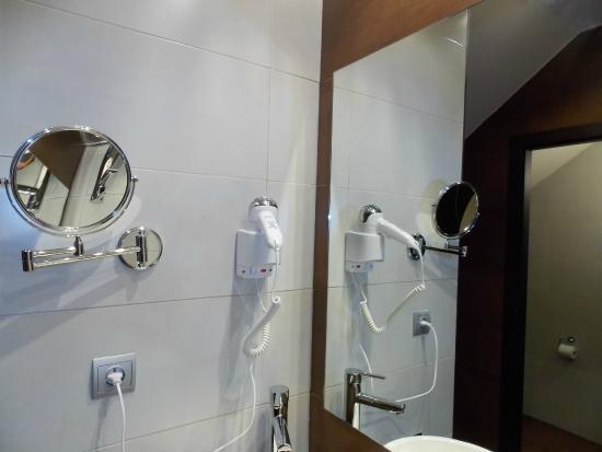El Pueyo de Jaca, Španělsko: Espejo de aumento y secador