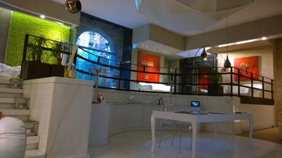 Palazzo Victoria: Modern Ambiance