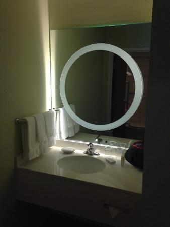SpringHill Suites Providence West Warwick: The vanity & mirror in the bathroom area of the double bed room.