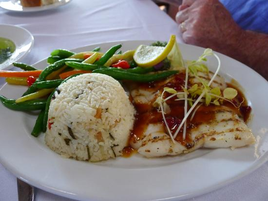 Fresh Catch Bistro: Grilled grouper Pan Asian