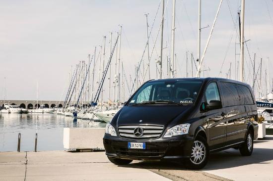 Civitavecchia Cab Service - Tour: pick up beside the ship